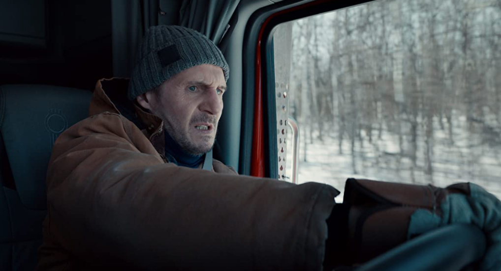 Liam Neeson (vai Mike) trong phim The Ice Road  /// ẢNH: PEOPLE