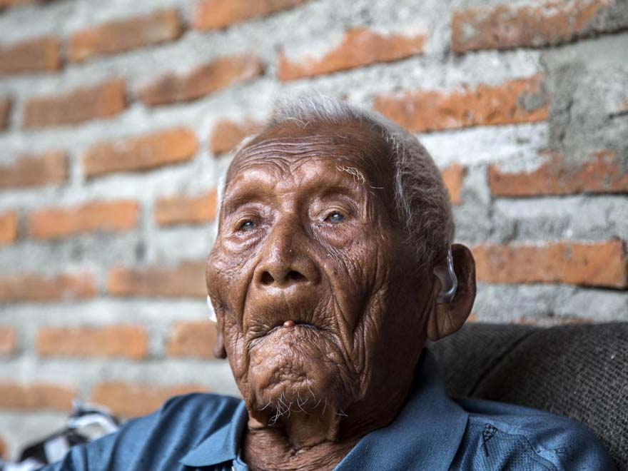 Cụ ông Mbah Gotho 146 tuổi /// The Independent