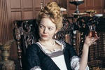 Minh tinh Emma Stone trong phim 'The Favourite' /// Ảnh: Film4 Productions