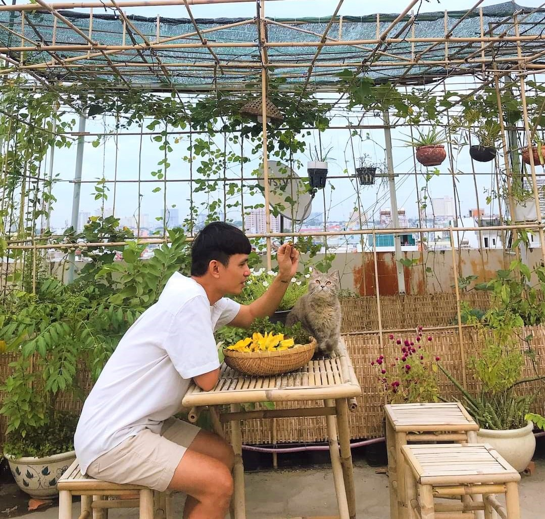 Teacher 8X created a beautiful, lush vegetable garden in the heart of Ho Chi Minh City by himself - photo 11
