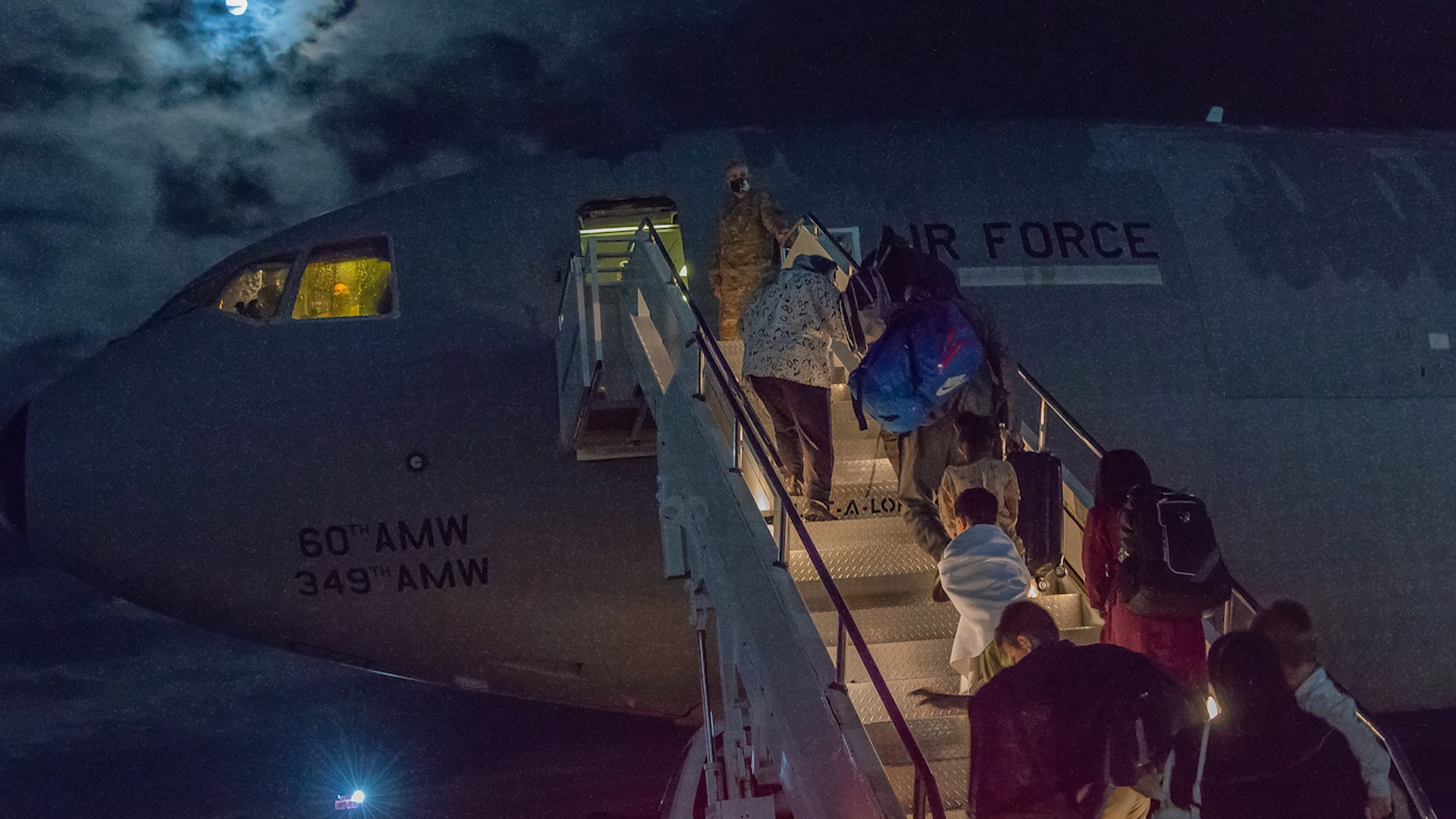 US troops begin to withdraw from Kabul airport - photo 2