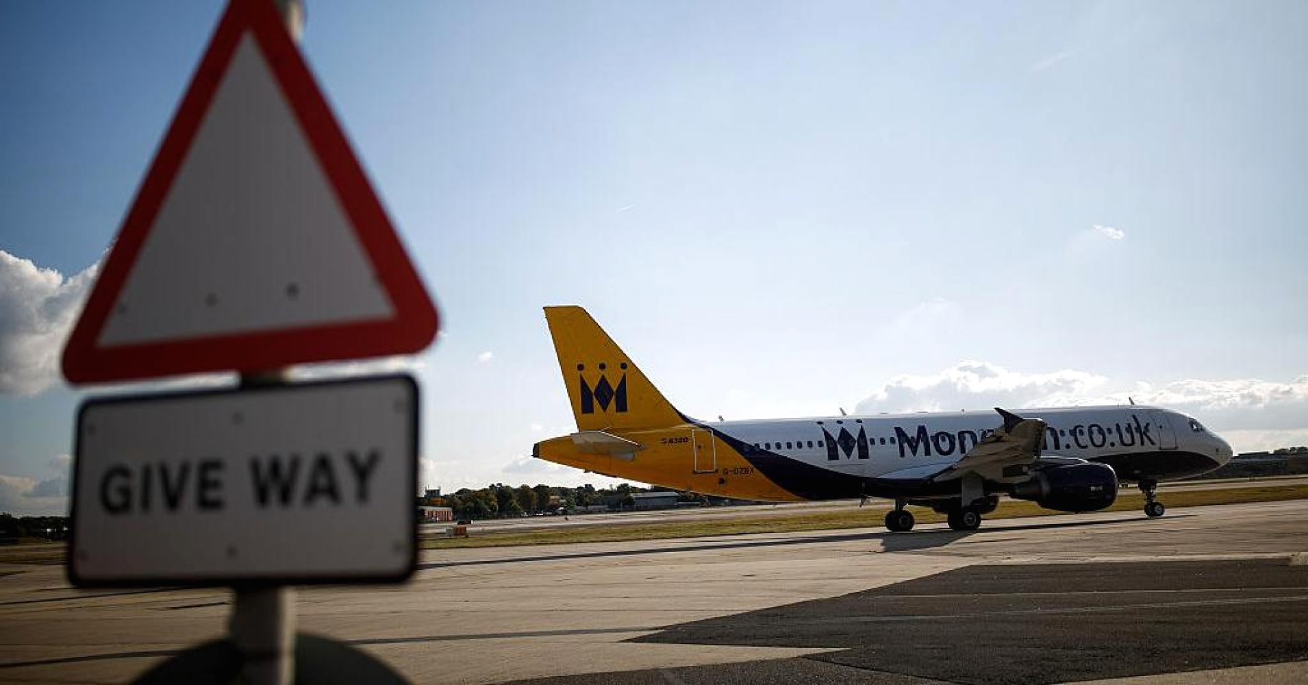 Máy bay của Monarch Airlines /// Ảnh: Bloomberg