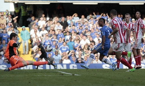 Chelsea thắng may nhờ Ashley Cole - ảnh 3