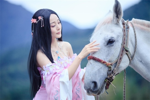 thien huong cosplay