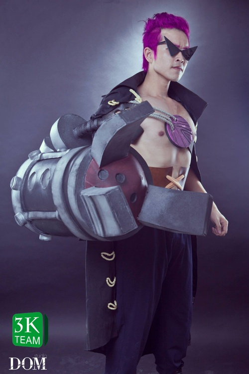 """Coser Việt """"chất lừ"""" trong cosplay Zephyr (OnePiece Z)"""