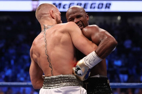 Mayweather thắng knock-out McGregor trong trận quyền anh tỉ USD - ảnh 2