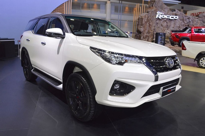 Toyota Fortuner Sportivo tại Thai Motor Expo 2017 thể thao hơn