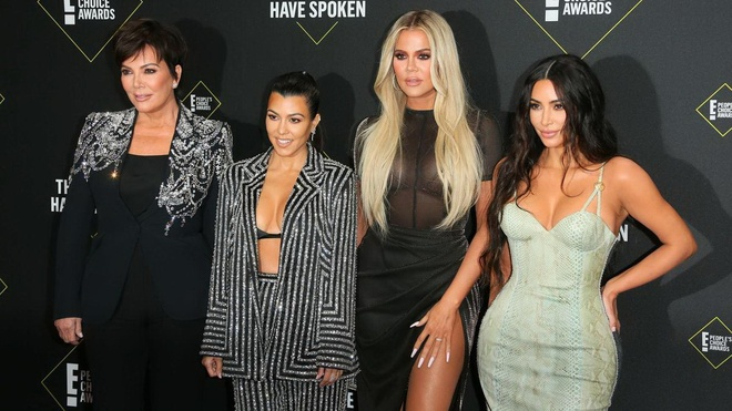 Những gương mặt đình đám của chương trình truyền hình thực tế 'Keeping Up with the Kardashians', gồm Kris Jenner, Kourtney Kardashian, Khloe Kardashian và Kim Kardashian /// Ảnh: AFP