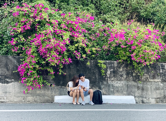 Fall in love with the beauty of the 'most beautiful' confetti road in Da Nang - photo 5