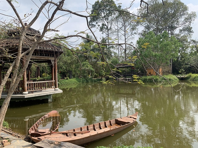 Rowing a boat, immersing in the green space between Ho Chi Minh City - photo 4