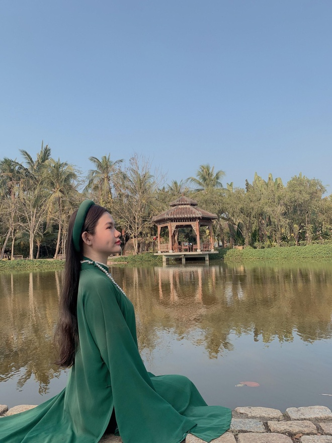 Rowing a boat, immersing in the green space in the middle of Ho Chi Minh City - photo 3