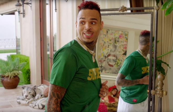 Chris Brown trong MV 'Freaky Friday'