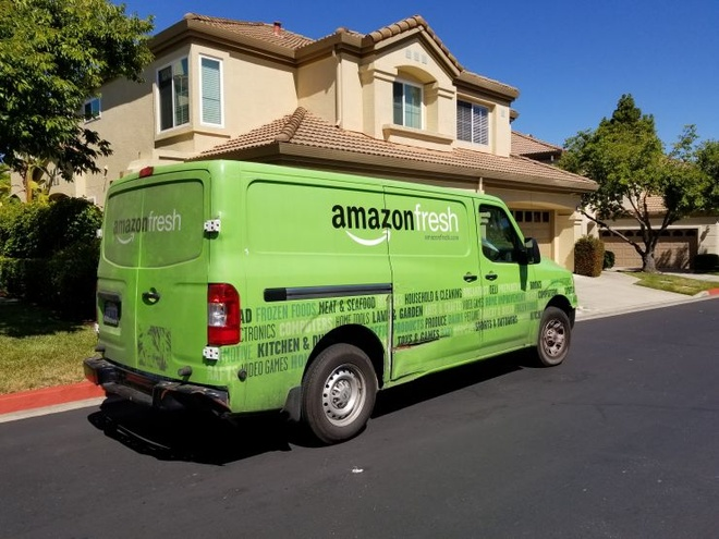 Xe giao hàng Amazon Fresh /// Ảnh: AFP/Getty Images