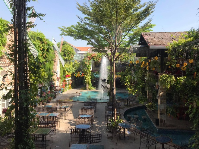 Where to 'check in' weekend in Ho Chi Minh City is beautiful and cool?  - Photo 8