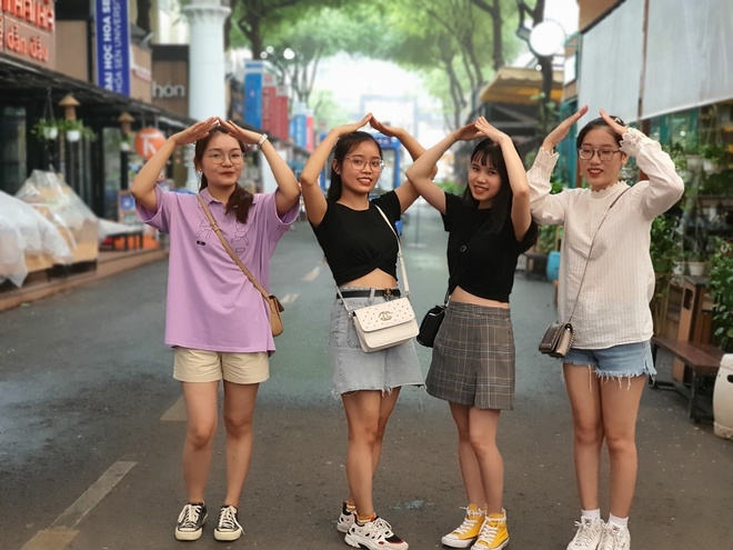 Where to 'check in' weekend in Ho Chi Minh City is beautiful and cool?  - Photo 1