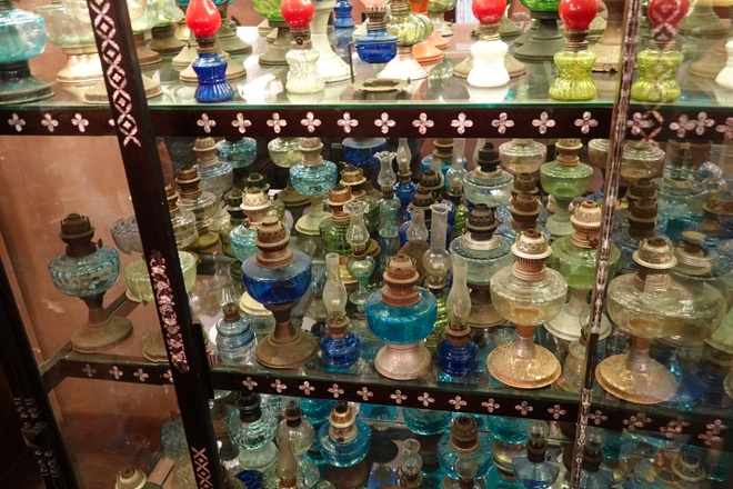 'Unique in the West': A collection of hundreds of old oil lamps and incandescent lamps - photo 1