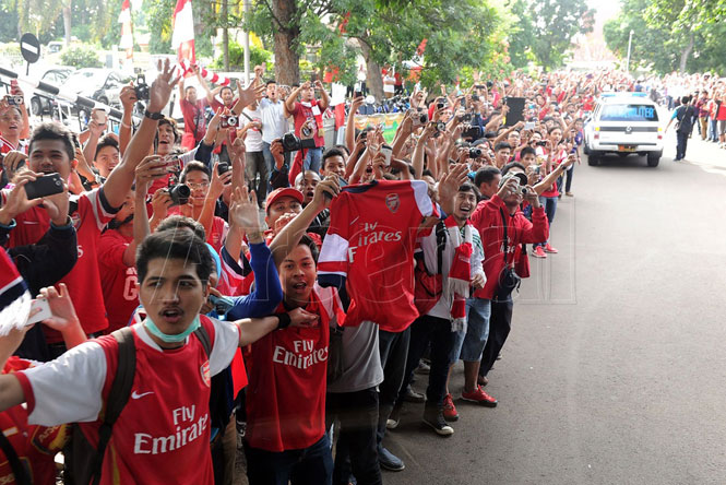 Arsenal gây sốt