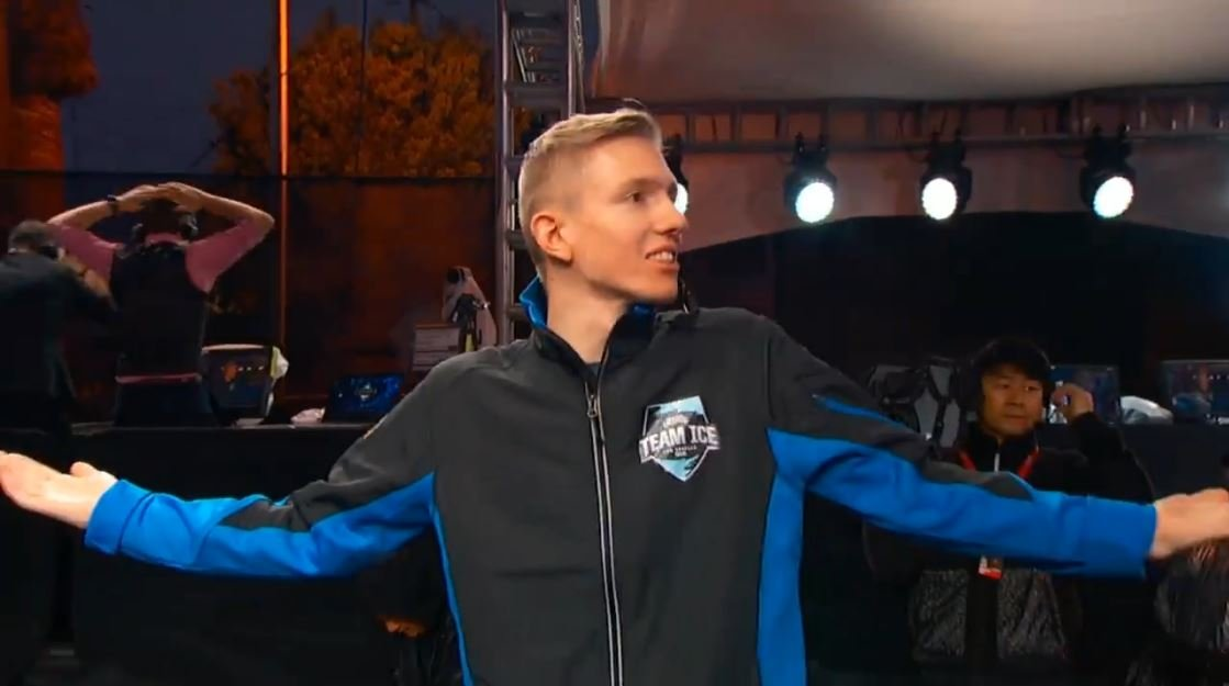 LOL Video: Froggen vs Doublelift and then this happened!