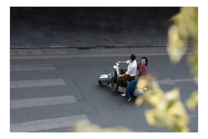 A set of photos that are memorable to the couple's old Tet in Hanoi - photo 1