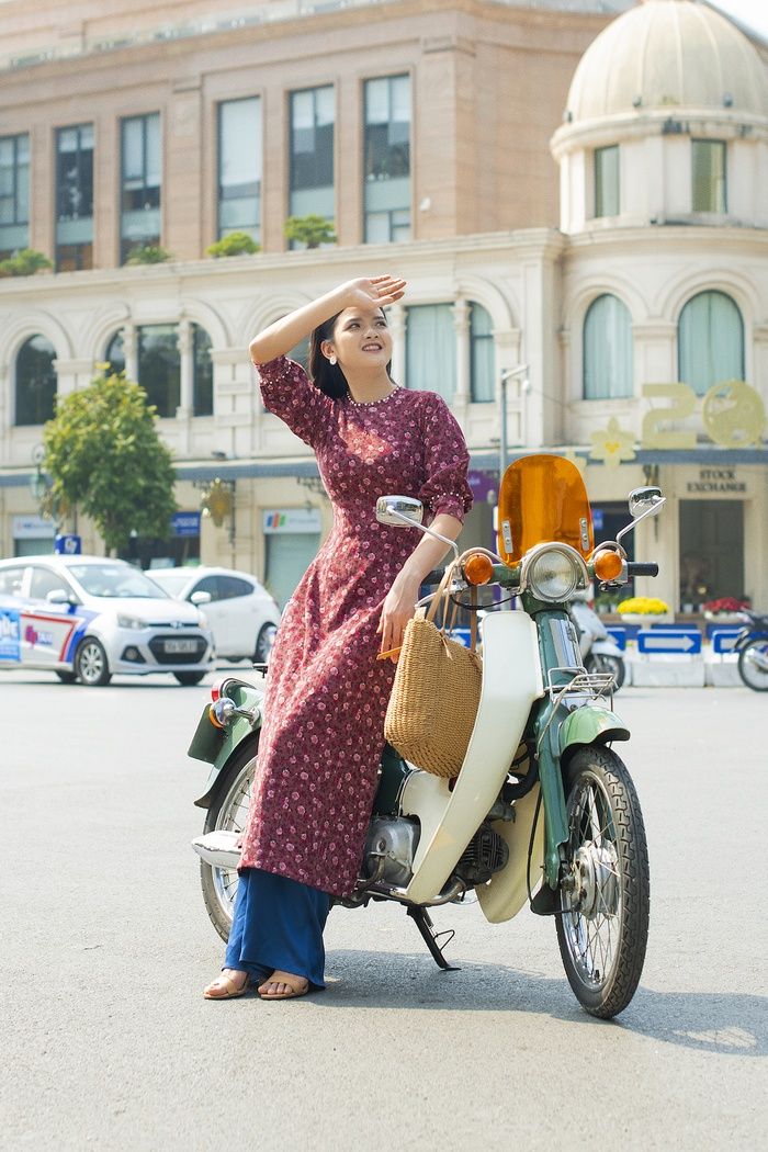 A set of photos that are memorable to the couple's old Tet in Hanoi - photo 6