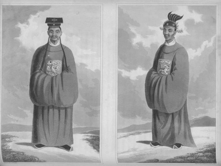 Văn quan (trái) và võ quan thời Minh Mạng