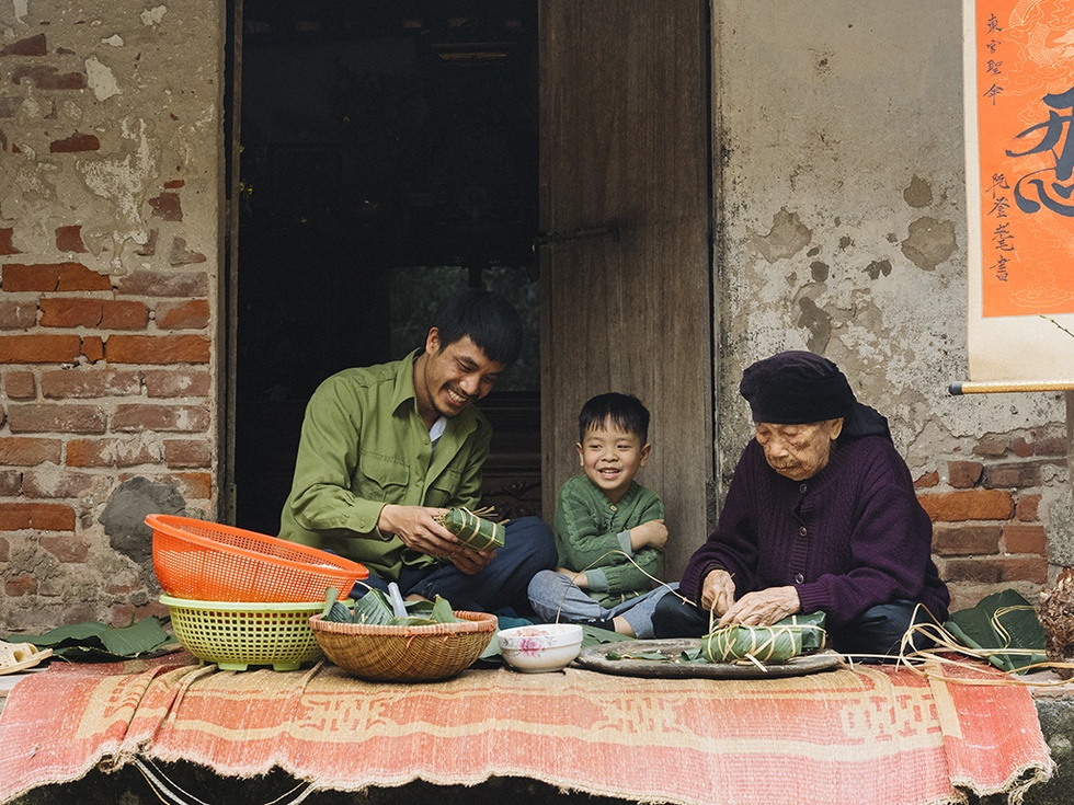 The family photo of the 9X boy's Tet holiday caused a fever in the online community - photo 12