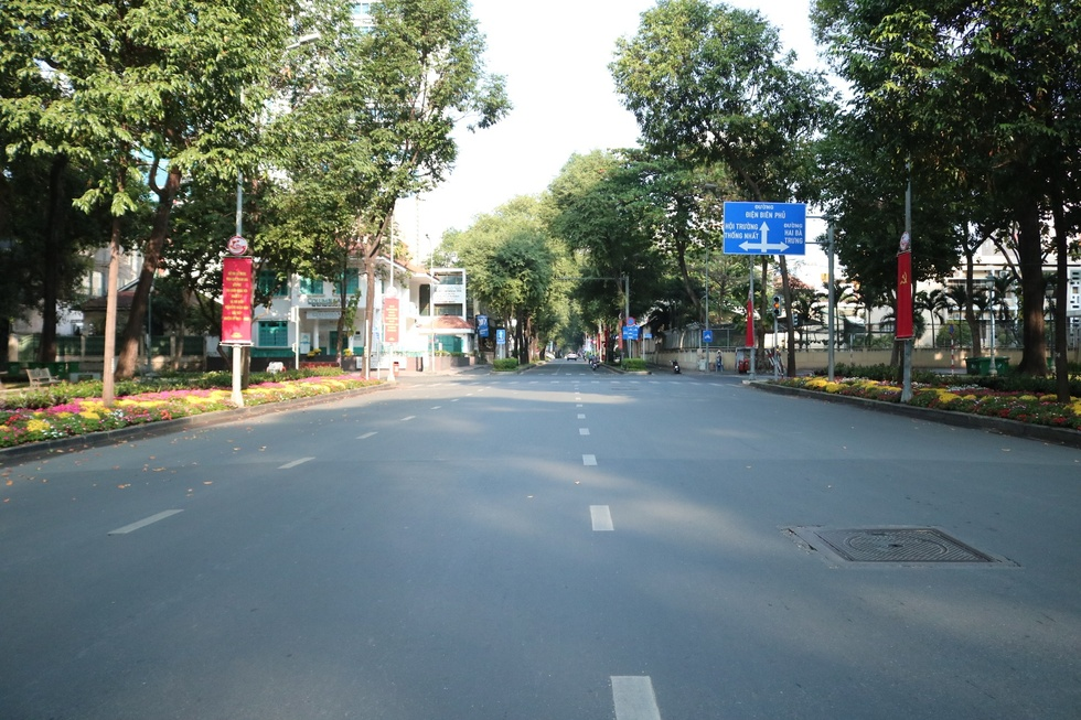 The moment when Saigon Street in the early morning of the New Year, Tan Suu without people, the most peaceful - photo 12
